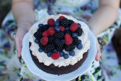 See Need Want Recipe Mud Cakewith Mocha Creamand Berries 2