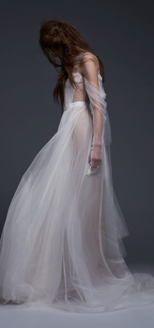 See Need Want Vera Wang Fall 2017 Felisa 1