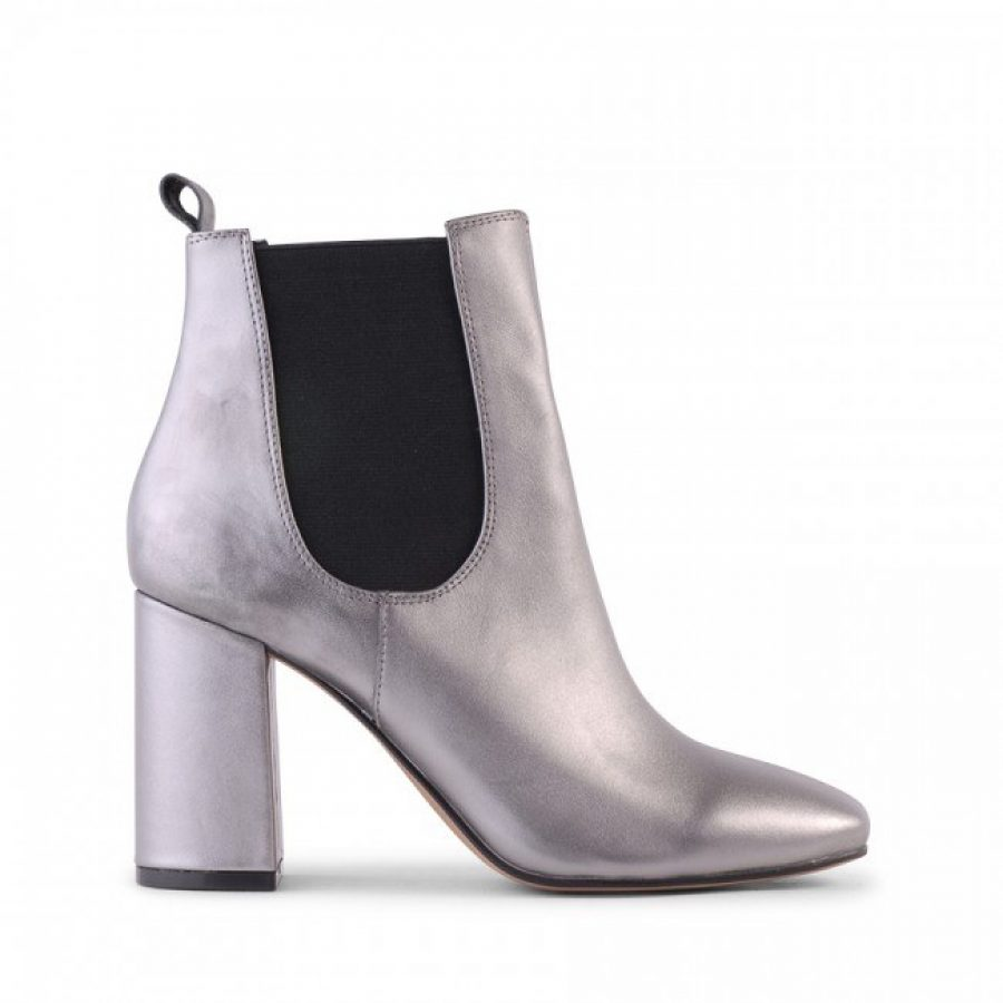 See Need Want Fashion Best Winter Boots Metallic Silver Siren